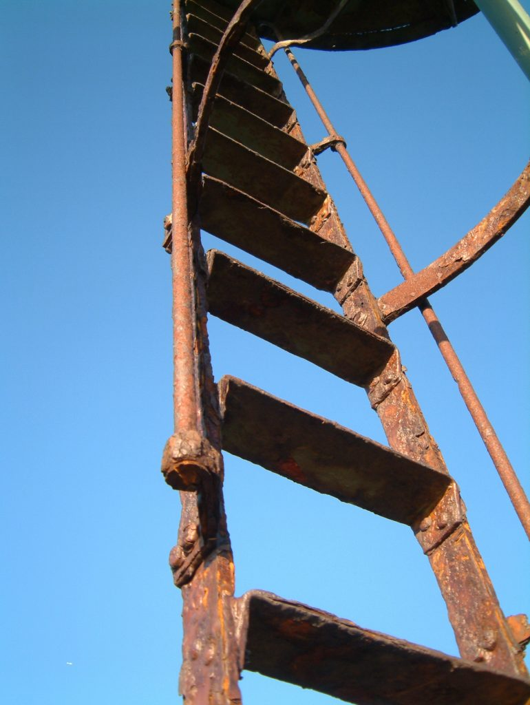 old-rusty-ladder-1426340-770x1024