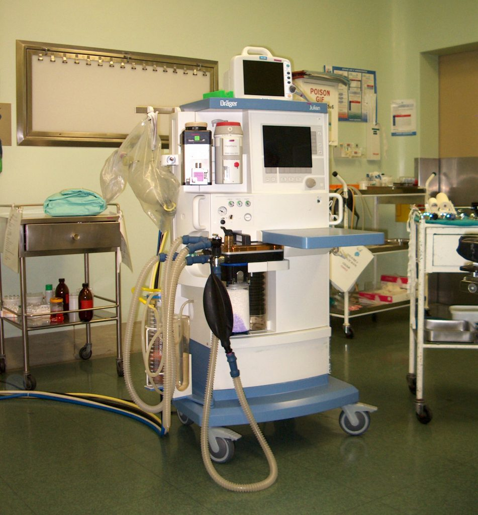anaesthetic-machine-1468043-951x1024