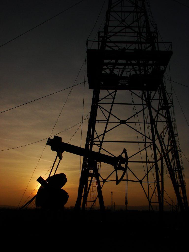 oil-1441845-768x1024