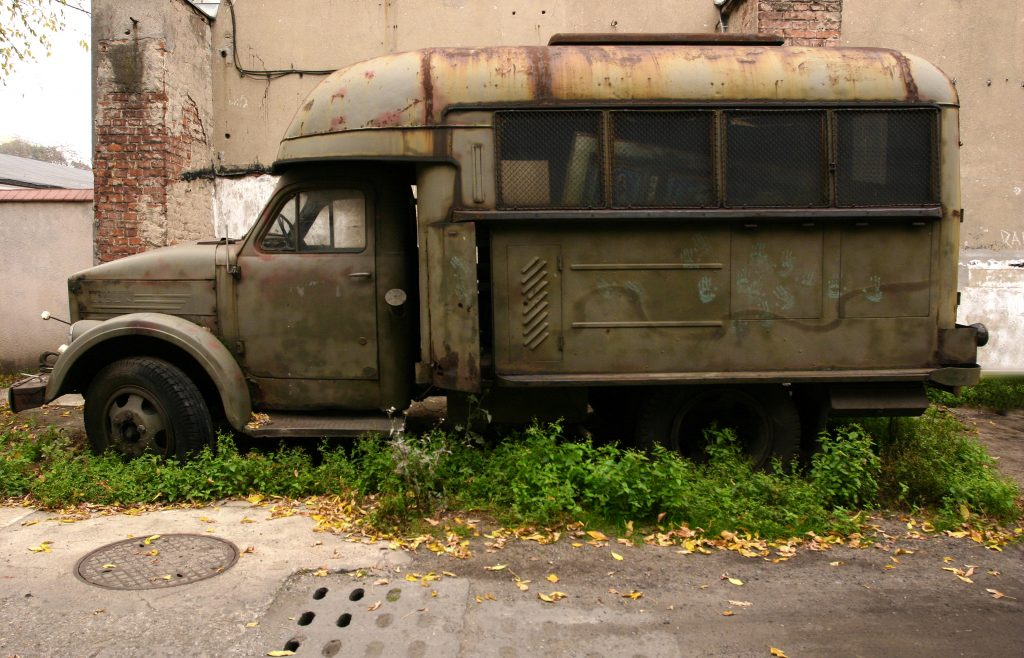 old-truck-lublin-1449942-1024x658