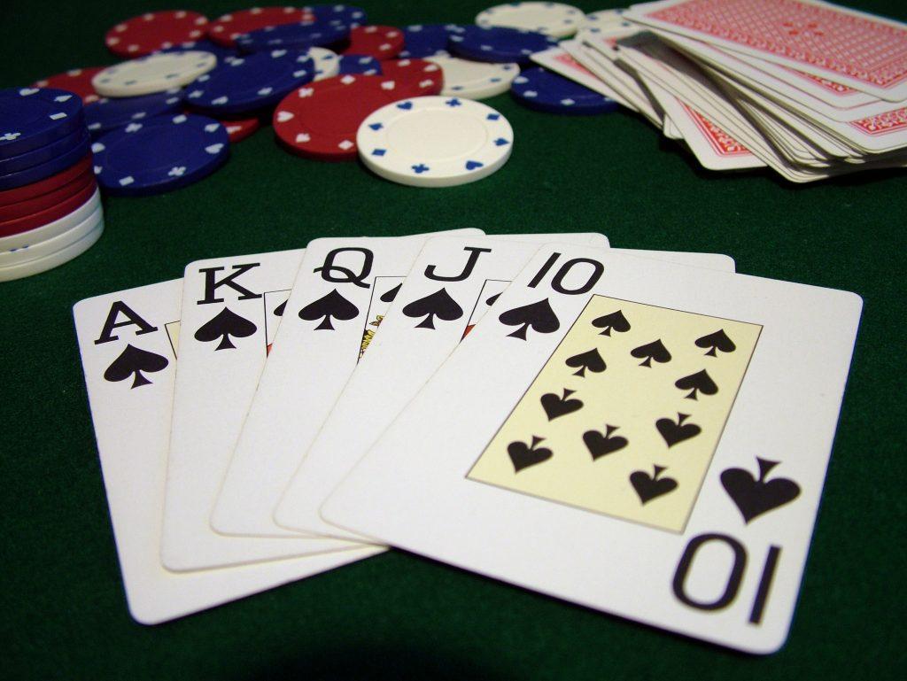 poker-hand-1522811-1024x769