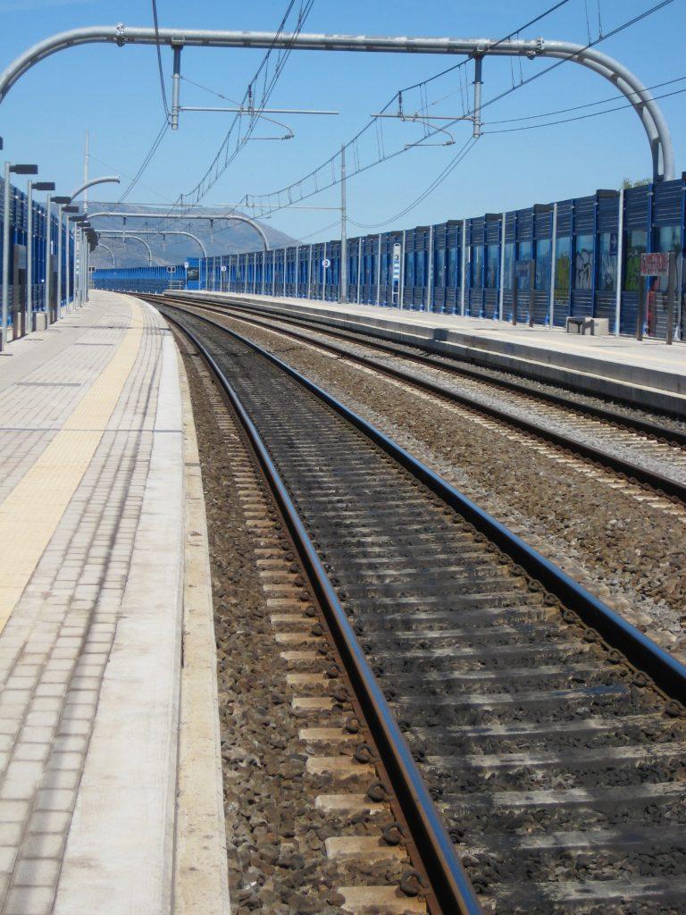 railroad-in-firenzi-1214429-768x1024