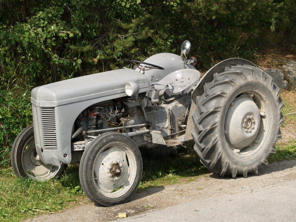 Man Who Fell Off Lawn Tractor Loses Lawsuit Against Home