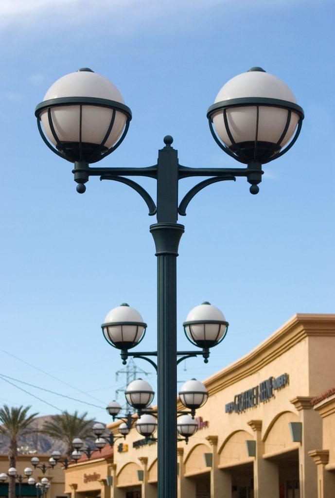 lamp-post-1230572-689x1024