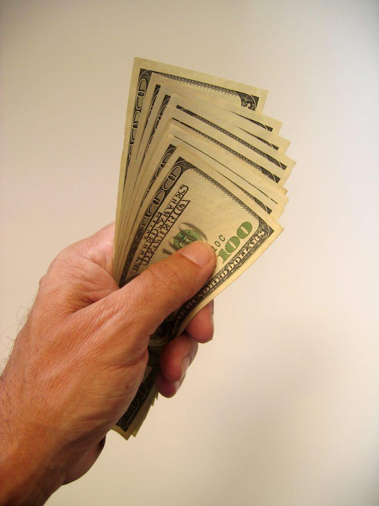 money-4-1238890-768x1024
