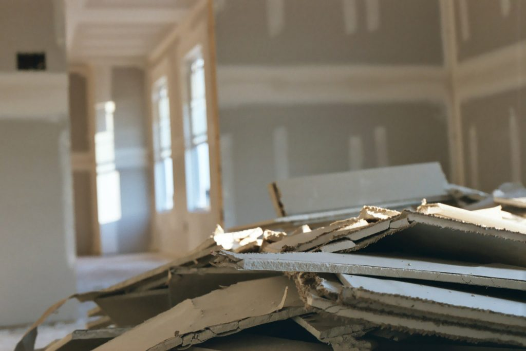 drywall-mess-1506462-1024x683