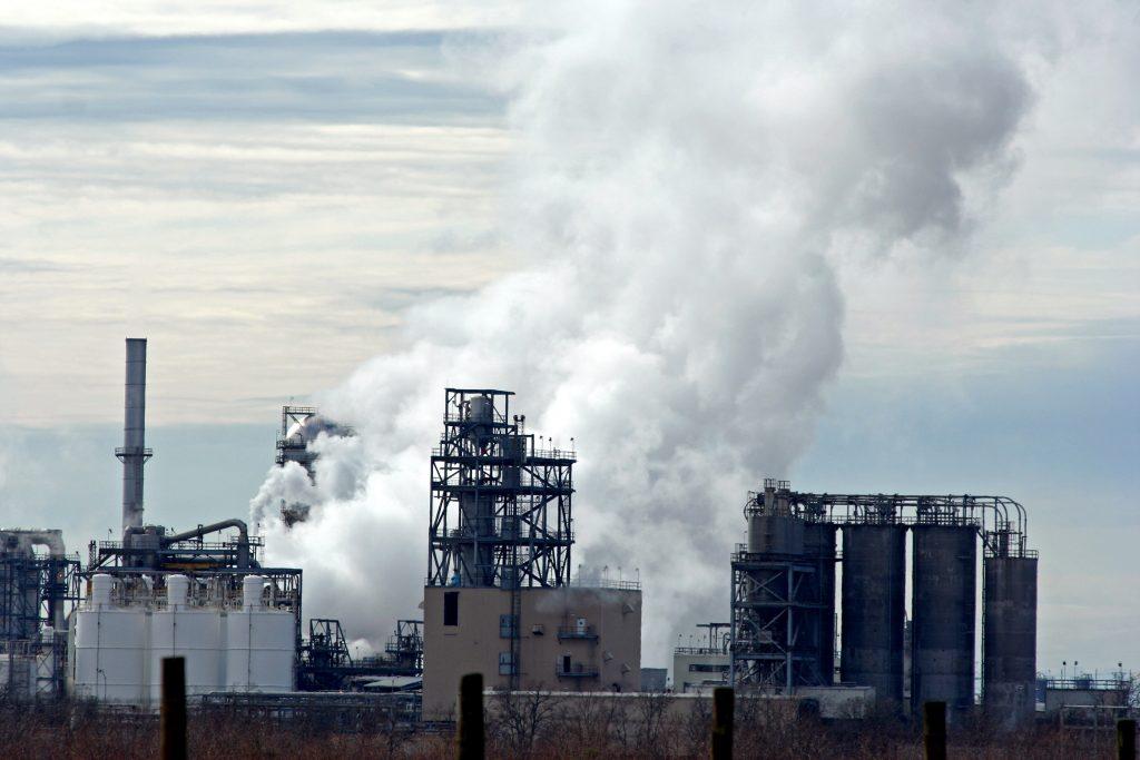 oil-refinery-1239476-1024x683