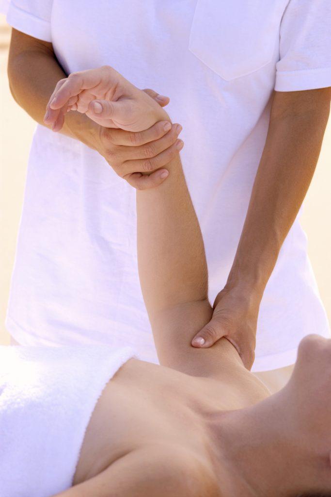 body-massage-1428380-683x1024