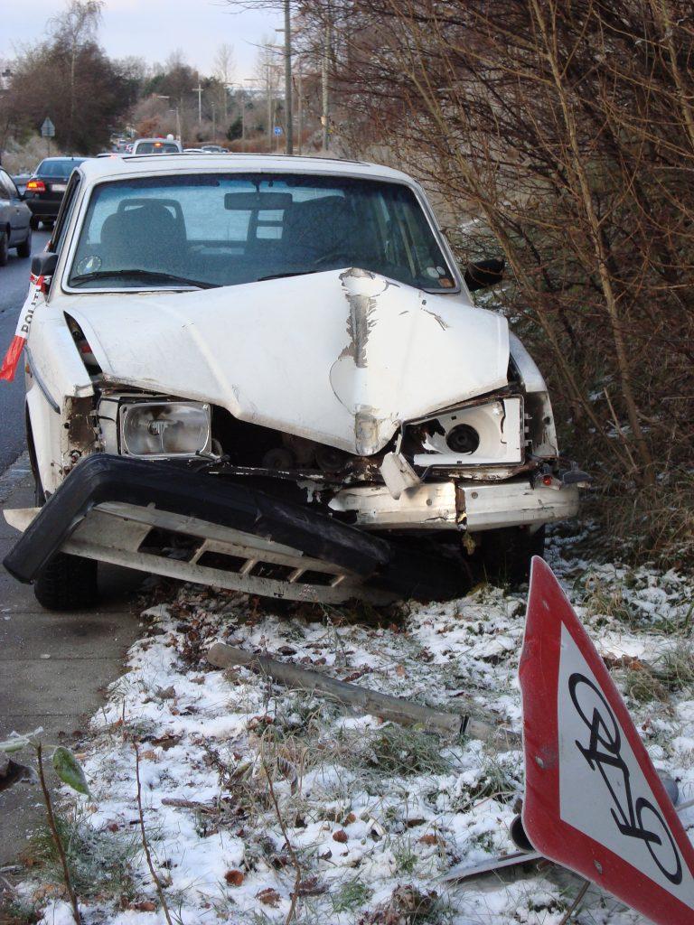 crashed-car-1444299-768x1024