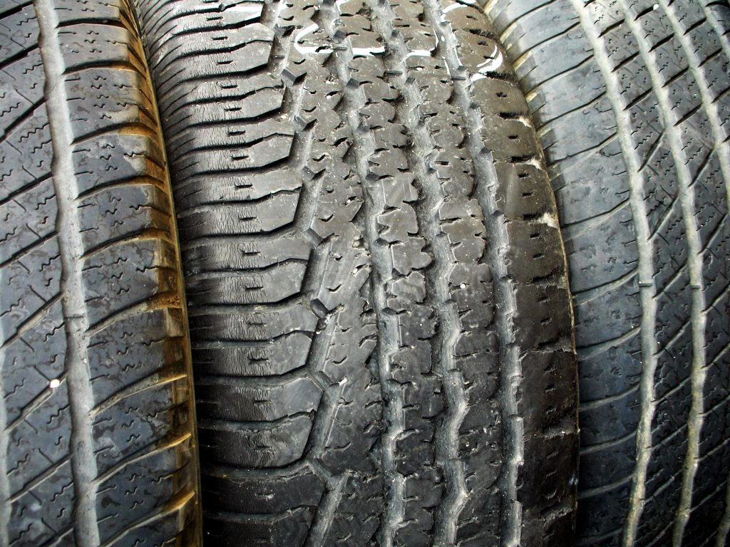 rack-of-tires-1187131-1024x768