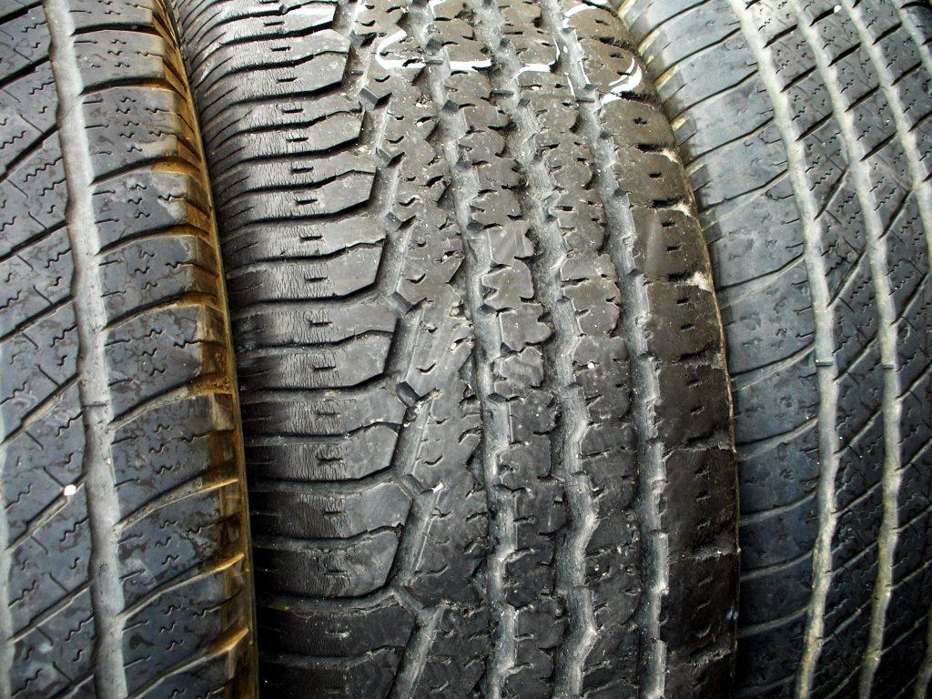 rack-of-tires-1187131-1024x768