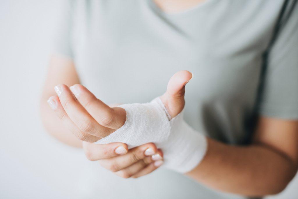 bandage-close-up-hands-1571172-1-1024x683