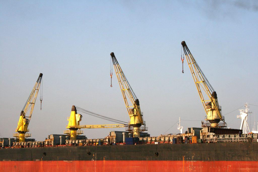 ship-cranes-1238624-1024x683