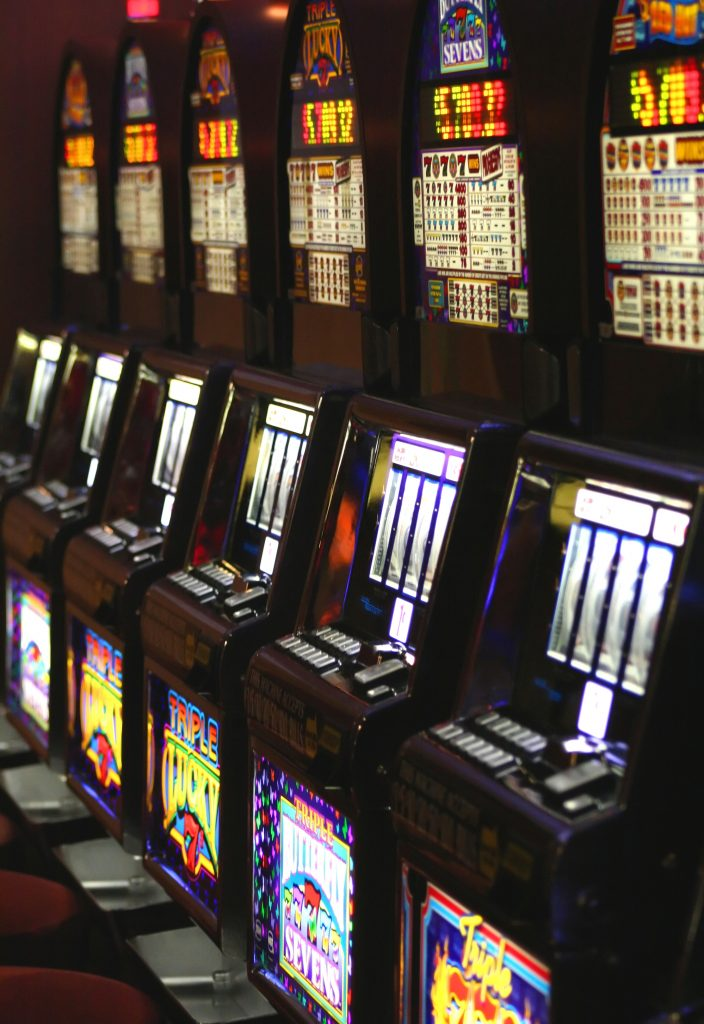 slot-machines-1417312-704x1024