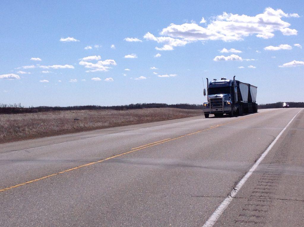 trucking-pics-1619675-1024x765