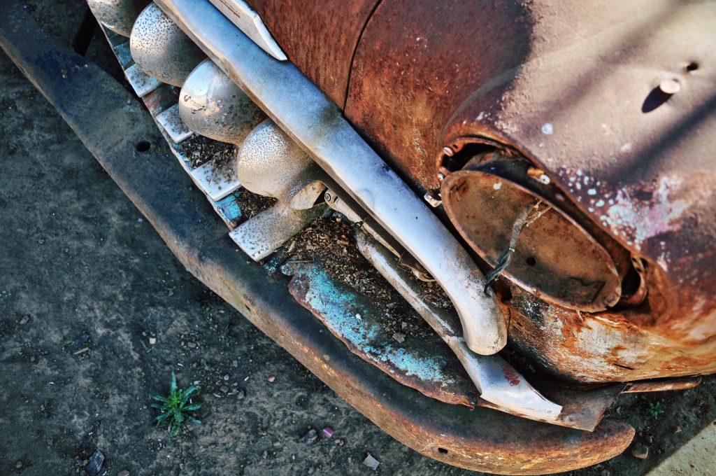 rusty-car-1207835-1024x680