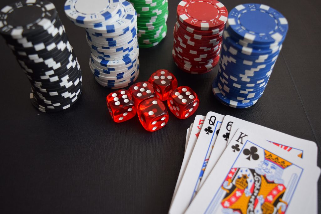 cards-casino-chance-chip-269630-1024x683