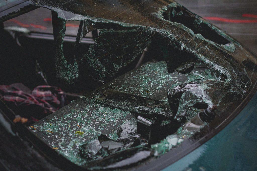 green-car-2265634-1024x683